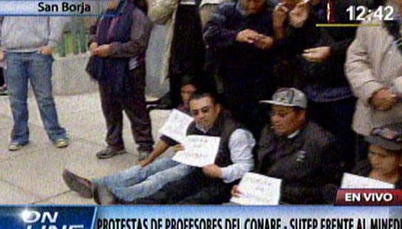 Profesores inician huelga de hambre