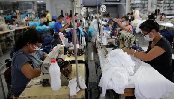 El Ministerio de Trabajo ha recibido 30 mil solicitudes de empresas para aplicar la suspensión perfecta de labores y ya se han resuelto casi el 50% de ellas, indicó el viceministro de Trabajo, Juan Carlos Requejo. (Foto: GEC)