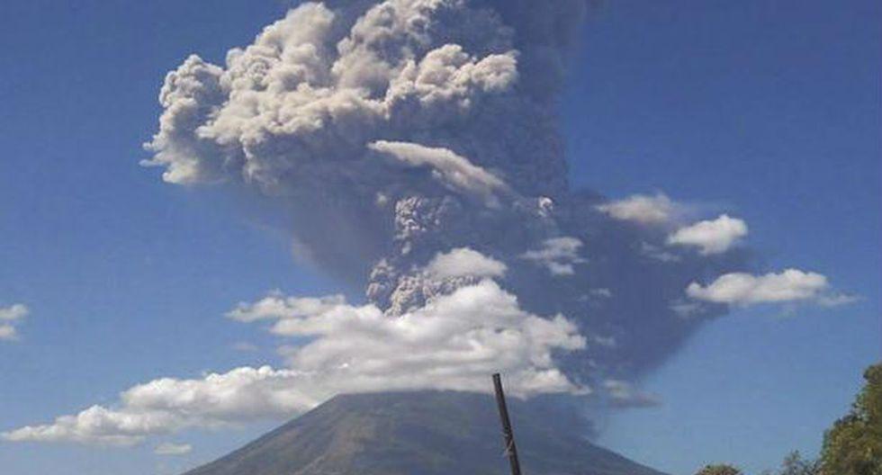 El Salvador: Alerta por salida de gases tras erupción de volcán