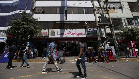 Los empresarios han señalado en las últimas semanas que casi el 50% de los locales se encuentran al borde de la quiebra. (Foto: Jorge Cerdán / GEC)