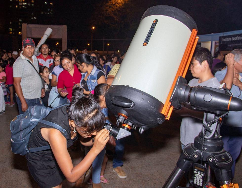 Día de la Astronomía: Amantes de los astros disfrutaron de una tarde especial