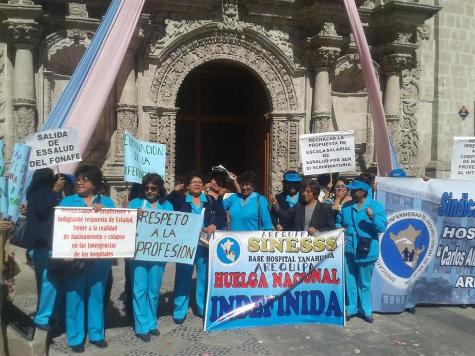 Protestan en el templo San Agustín