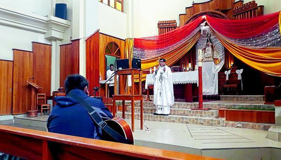Realizan misa virtual en conmemoración a la Virgen de Chapi