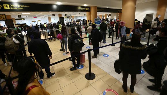 El Ministerio de Transportes y Comunicaciones prorrogó la suspensión de vuelos procedentes de Sudáfrica, Brasil y la India. (Foto: GEC)