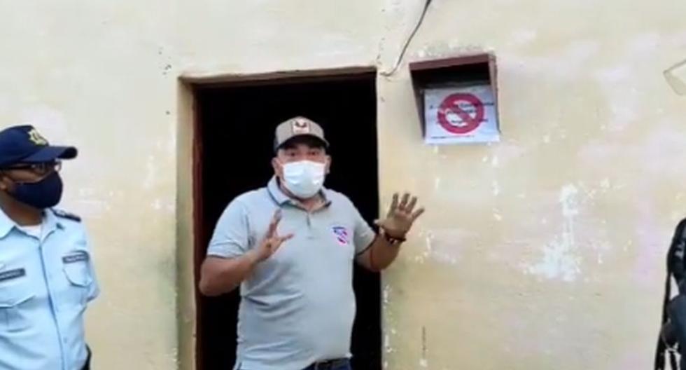 La medida desató críticas de diferentes médicos en Venezuela. Imagen del alcalde Adrián Duque (centro) en un video. (Captura de video/Instagram).