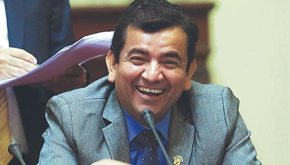 Luis López Vilela regresa al Congreso este mes y retomaría Fiscalización