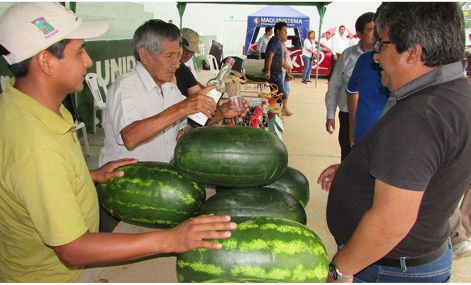 """Agricultores ofertaron sus productos en la I Expo Feria """"Somos Campo"""""""