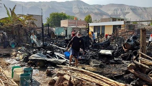 La quema de basura habría iniciado el incendio que dejó en cenizas 4 viviendas de Corire. (Foto: Difusión)