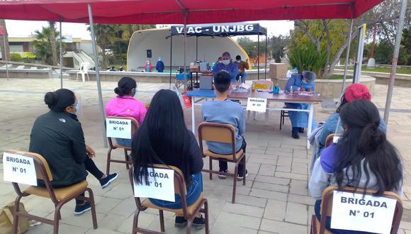 Se instaló vacunatorio en el campus Los Granados de la Universidad Jorge Basadre. (Foto: Correo)