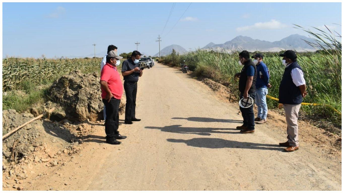 inspeccionan-avances-en-mantenimiento-de-camino-vecinal-paijan-el-milagro