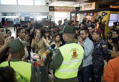 Guaidó llegó al aeropuerto de Caracas en medio de enfrentamientos entre chavistas y diputados opositores