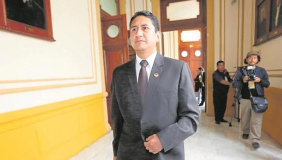 El suboficial Carlos Zárate ya no brindará seguridad al gobernador regional de Junín luego que se revelara que brindó protección al secretario general de Perú Libre. (Foto: GEC)
