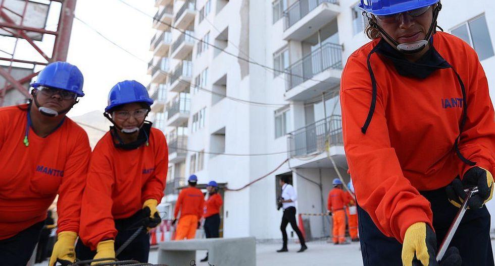SENCICO: Más mujeres se capacitan para trabajar en construcción