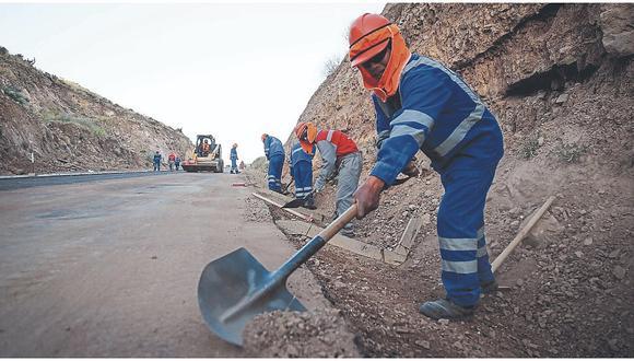 Madre de Dios: Más de 6 mil puestos de trabajo generará el reinicio de las obras de mantenimiento de las vías vecinales en las provincias de Manu, Tahuamanu y Tambopata, informó el MTC. (foto referencial)