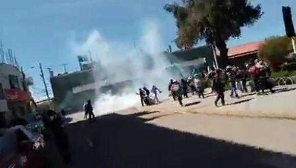 Utilizaron gases lacrimógenos contra los pobladores de Juliaca.