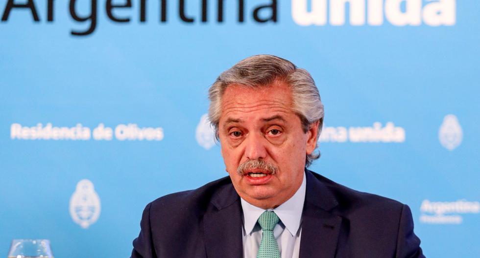 El presidente de Argentina, Alberto Fernández, anunciando la extensión de la cuarentena hasta el 10 de mayo. (AFP/Esteban Collazo).