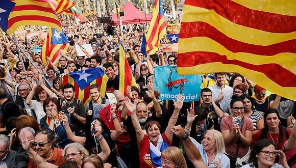 El Parlamento de Cataluña rompe con España y declara su independencia (VIDEO)