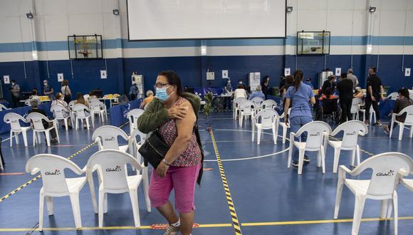 La campaña desplegada por las instituciones de Salud chilenas se ha basado en la amplia red de atención primaria distribuida a lo largo de un territorio de más de 4.200 kilómetros. (Foto: Martin BERNETTI / AFP)
