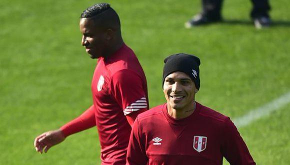 Paolo Guerrero y Jefferson Farfán son dos de los principales referentes de la selección peruana. (Foto: AFP)