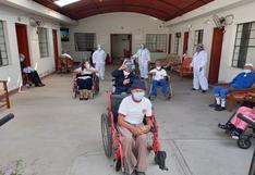 Ica: Vacunan a adultos mayores del asilo San Juan de Dios