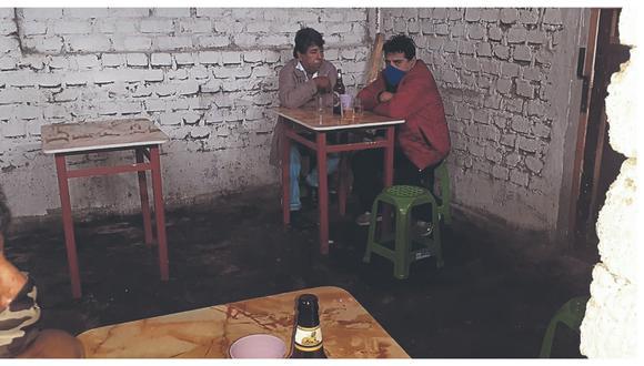 En Alto Perú, pobladores participaban de reunión social, mientras que en local de Bolívar Alto intervienen a 10 personas.