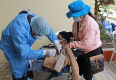 Tres adultos mayores mayores de 100 años reciben vacuna contra COVID-19 en Huancavelica