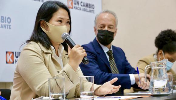 La lideresa de Fuerza Popular participó de la reunión de la bancada parlamentaria de su agrupación, luego de que la Sala Penal de Apelaciones Especializada en Crimen Organizado levantó la restricción que tenía para comunicarse con testigos de su caso. (Foto: Twitter Keiko Fujimori)