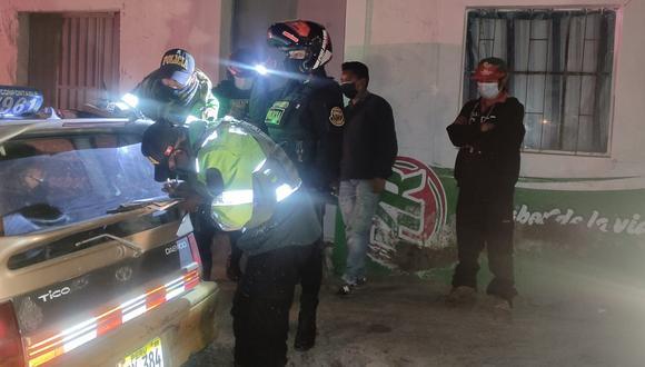 El pasado viernes, agentes policiales intervinieron e impusieron diferentes papeletas a infractores. (Foto: Difusión)