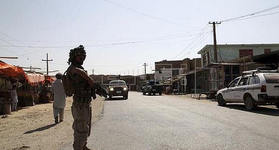 Afganistán: Los talibanes matan a 13 viajeros y secuestran a otros 200