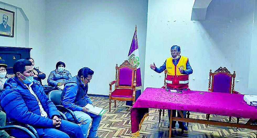 Ayaviri: trabajadores municipales se beneficiaron con bono 380 soles