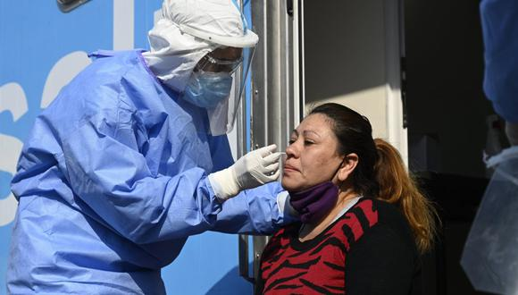 Argentina tuvo este jueves 12.026 contagios nuevos de coronavirus. (Foto: JUAN MABROMATA / AFP)