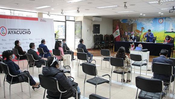 Asumen nuevos directores de las UGEL en Ayacucho