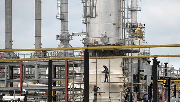 En octubre, las regalías de las empresas de hidrocarburos que operan en Perú sumaron US$ 48.9 millones. La SNMPE señaló que se observa una lenta recuperación de los aportes. (Foto: AFP)
