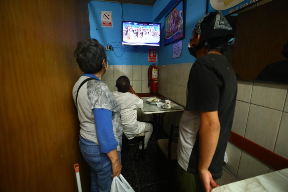 Muchos habitantes de la ciudad de Lima no esperaban un ascenso del candidato presidencial por Perú Libre.  | Foto: Gonzalo Córdova / @photo.gec