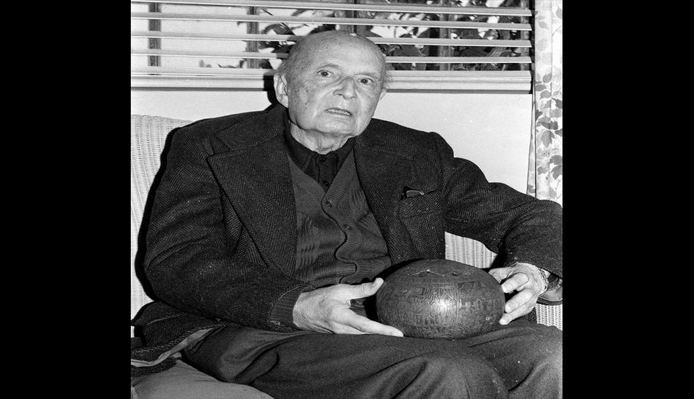 Jorge Basadre Grohmann, considerado el Padre de la Bibliotecología Peruana. (GEC Archivo Histórico)