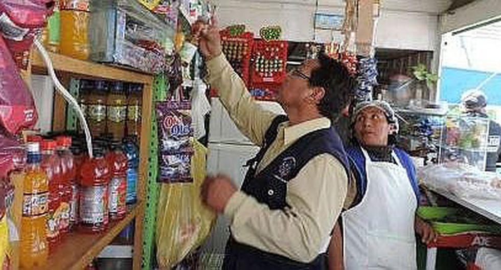 Inspeccionan quioscos y ambulantes en colegios de Samegua