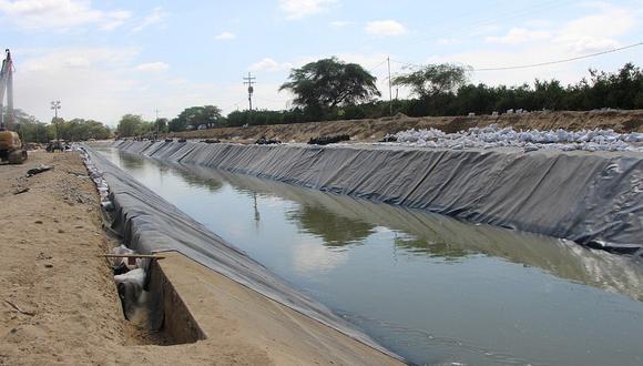 Aumenta progresivamente el agua en el canal Daniel Escobar