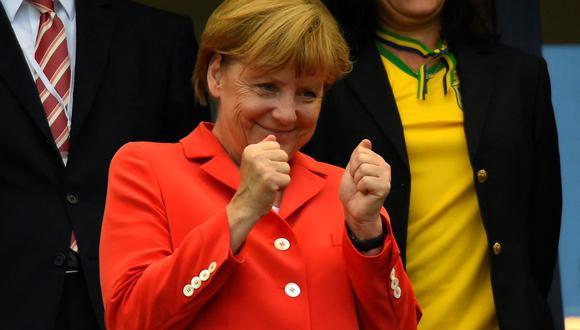 """""""Para que Alemania siga estable, Armin Laschet debe convertirse en el canciller federal"""", afirmó Ángela Merkel durante un mitin de su formación en Múnich. (Fabrice COFFRINI / AFP)."""