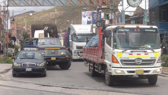 Tránsito vehicular se normaliza en Carretera Central