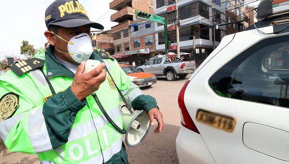 PNP retuvo 2 407 licencias de conducir en Cusco y choferes hacen largas colas para recuperarlas (FOTOS)