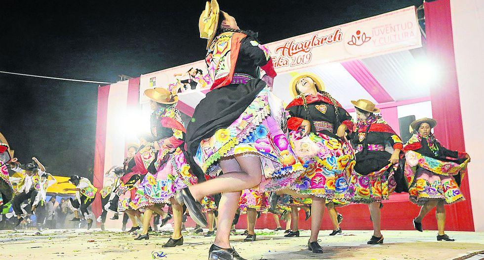 Huancayo vibró con el viril huaylarsh en concurso 'Nación Wanka 2019'