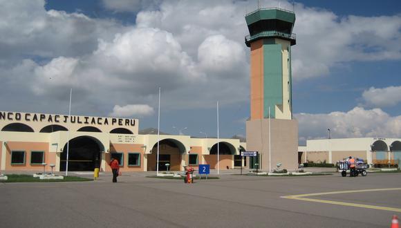 Los viajeros tuvieron que retirarse del aeropuerto. (Foto: Difusión)