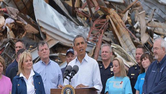 Barack Obama visitó zona devastada por tornado