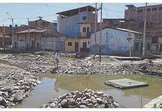 El drama de 200 familias que viven en medio de aguas estancadas tras desborde del río Tumbes