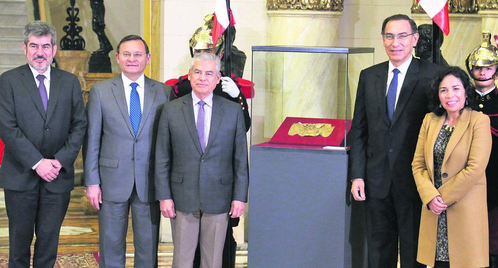 Presentan la restituida Máscara de Sicán en Palacio de Gobierno