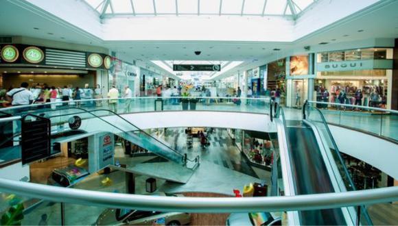 La CCL pide una aumento de aforo del 40% en los centros comerciales en los próximos meses. (Foto: GEC)