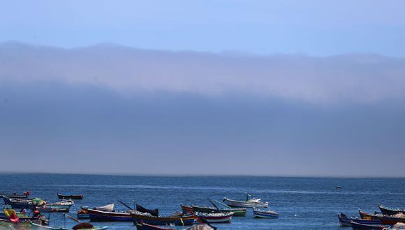 Extraña nube cubre litoral de la Costa asombrando a bañistas y pescadores. Foto: Hugo Curotto/@photo.gec