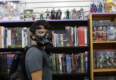 Fanáticos de animes, cómics, videojuegos y sagas de películas concurren a centro comercial Arenales (FOTOS)
