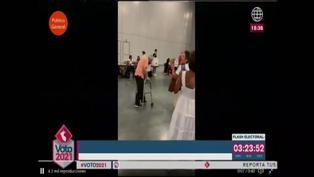 Adulto mayor fue aplaudido al llegar a su local de votación en Estados Unidos (VIDEO)