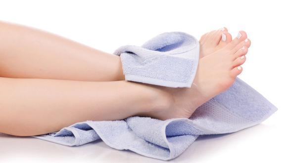Hongos en los pies: usa estos cinco remedios caseros para eliminarlos.